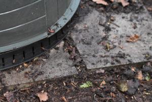 Stabilisation de la base du fût à compost.